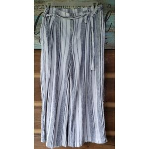 Gap wide leg capri pants